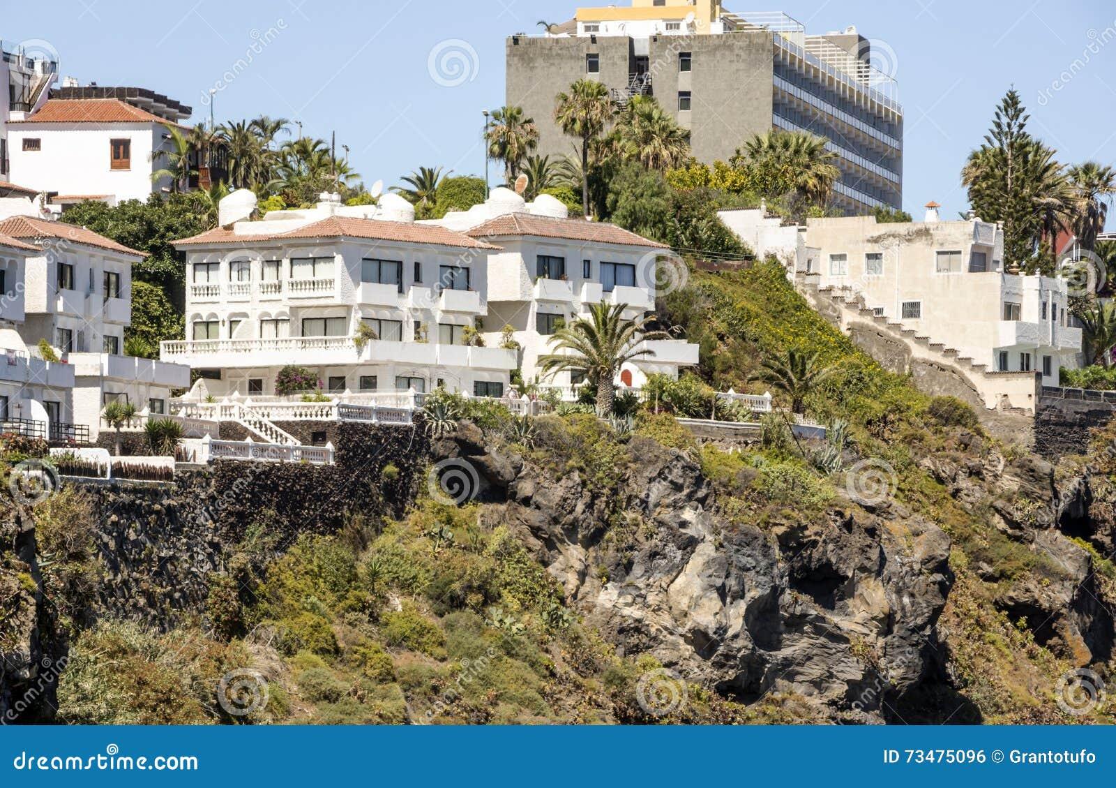 旅馆和房子山坡的