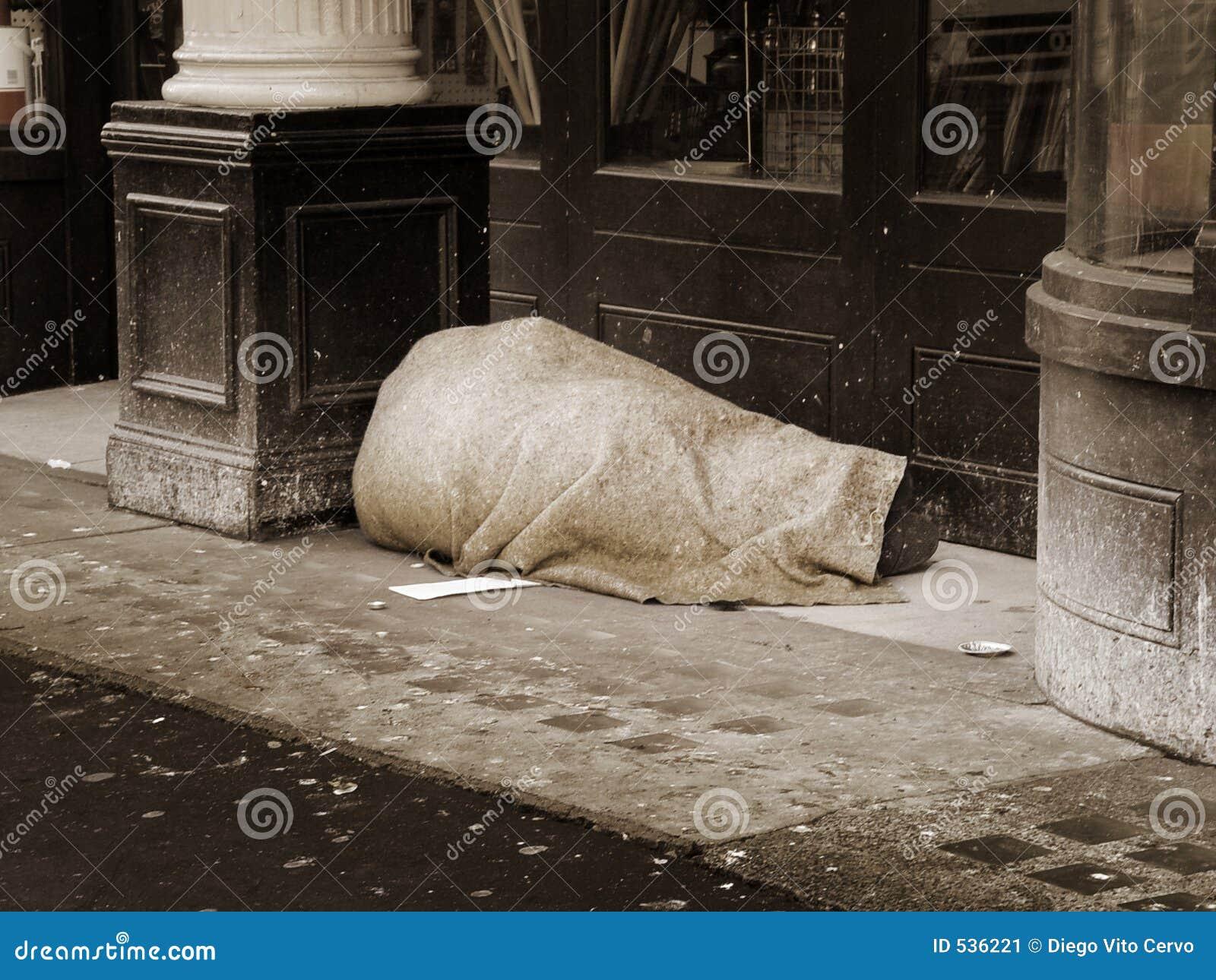 Download 无家可归的人 库存图片. 图片 包括有 生活, 叫化子, 减速火箭, 街道, 较少, 酒精, 界面, 乌贼属 - 536221