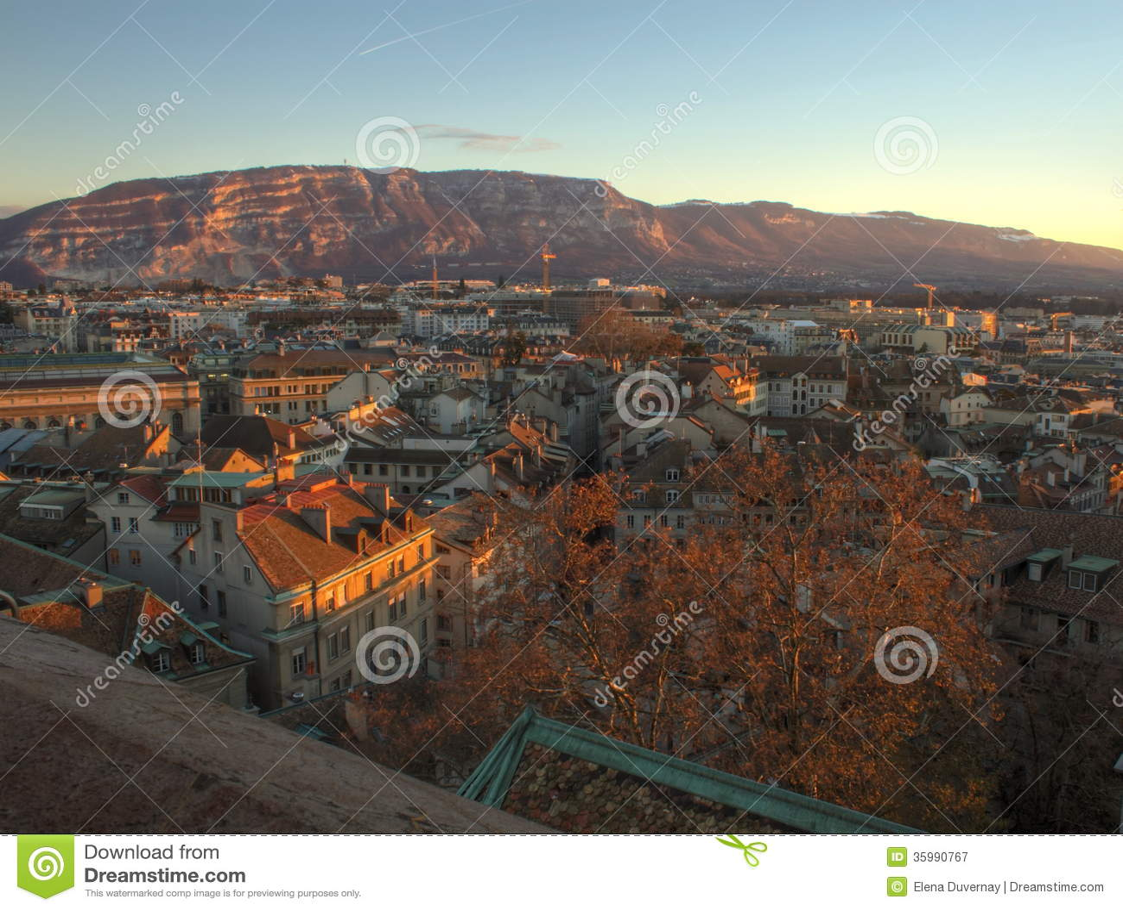 日内瓦市和Saleva山,瑞士(HDR)