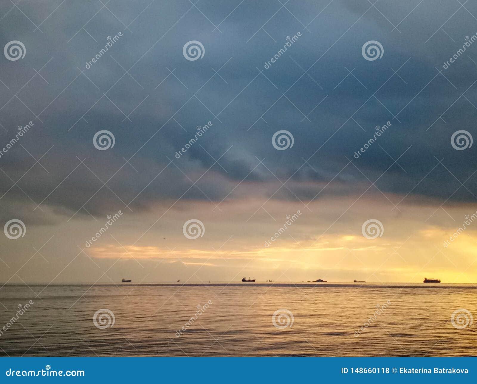 日出在卡德柯伊,伊斯坦布尔,土耳其