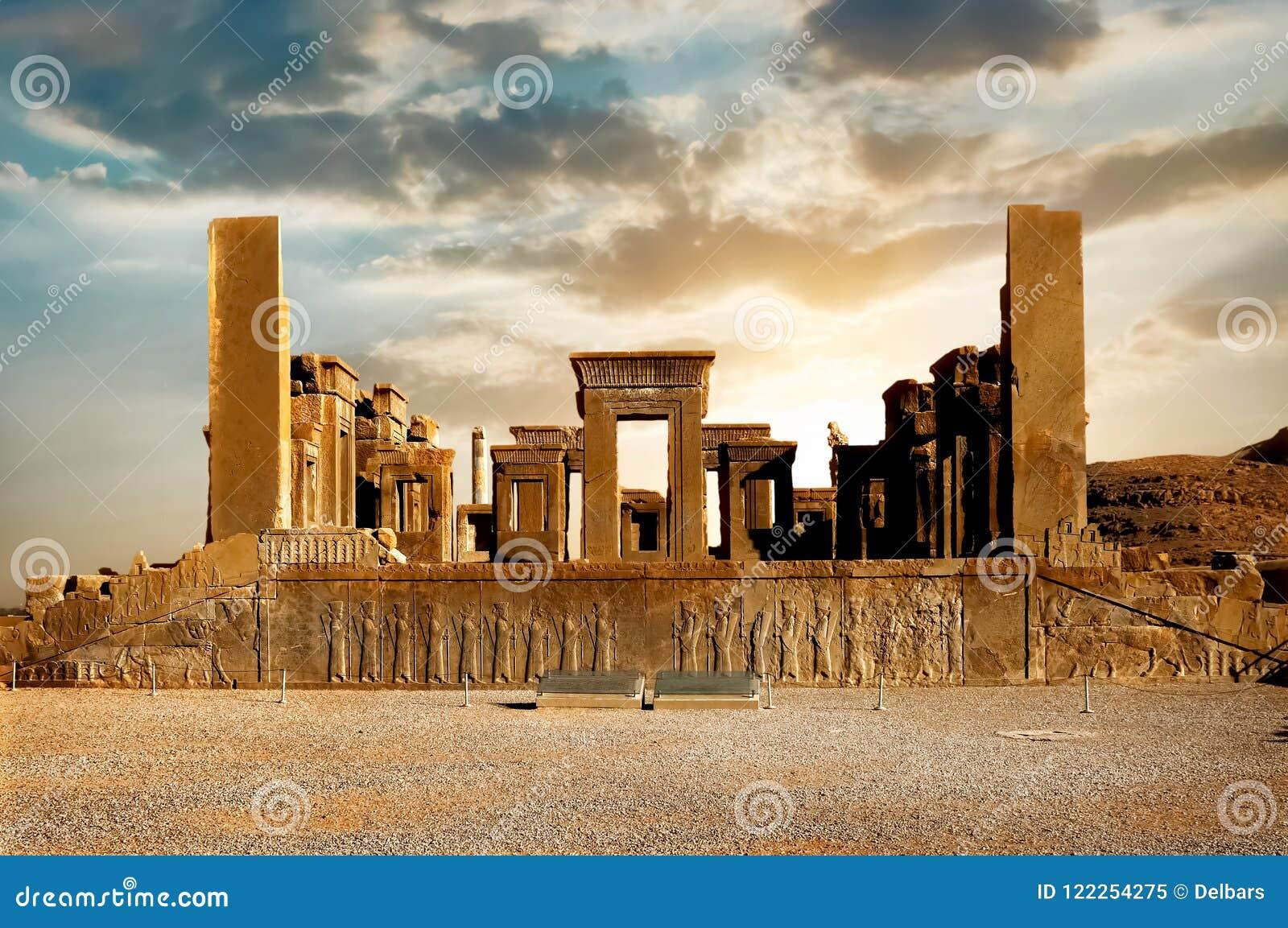 日出在波斯波利斯,古老血红素王国的资本 古老列 伊朗的视域 古老波斯