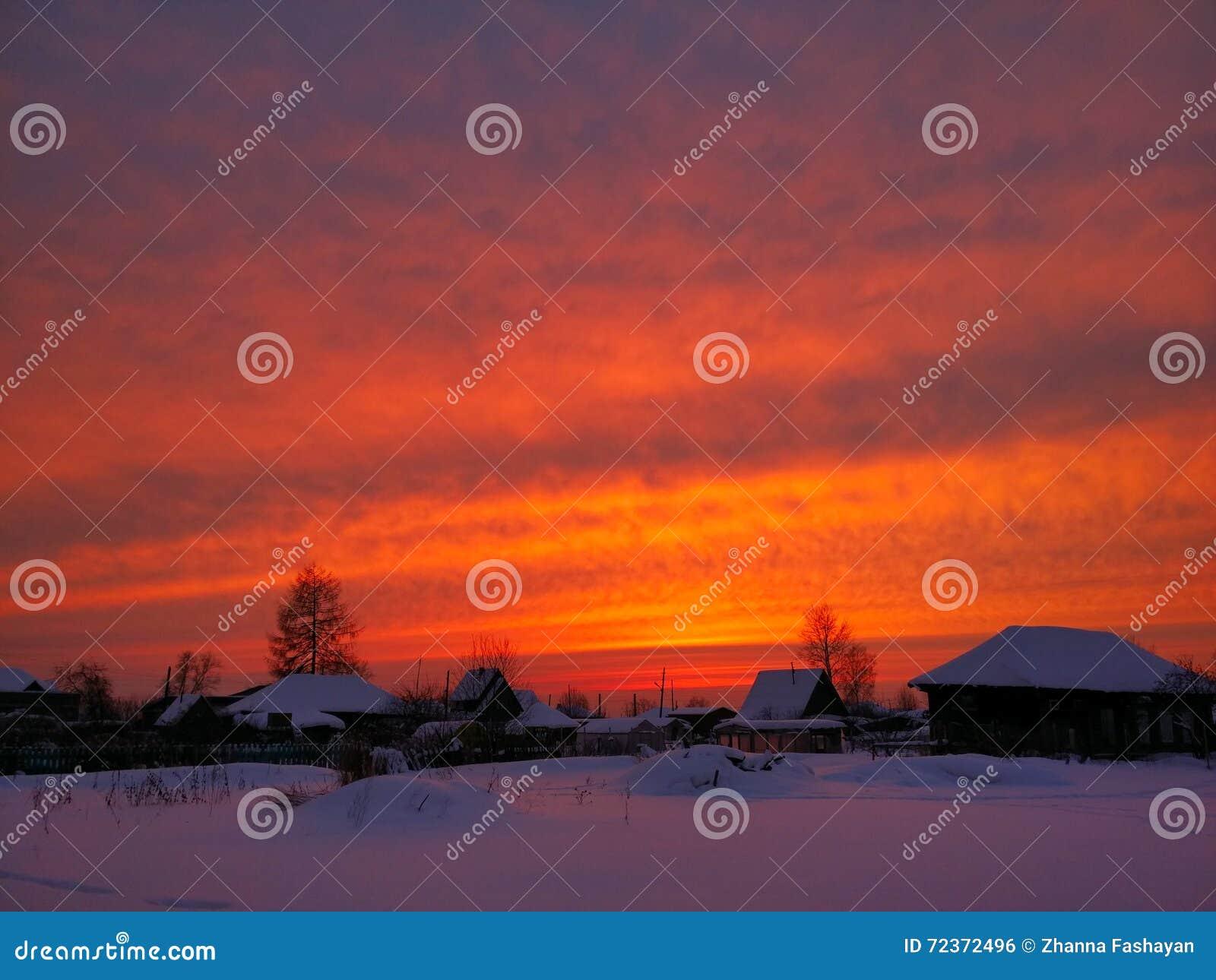 日落在村庄