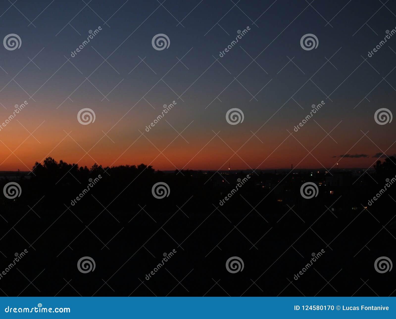 日落在阿雷格里港,巴西
