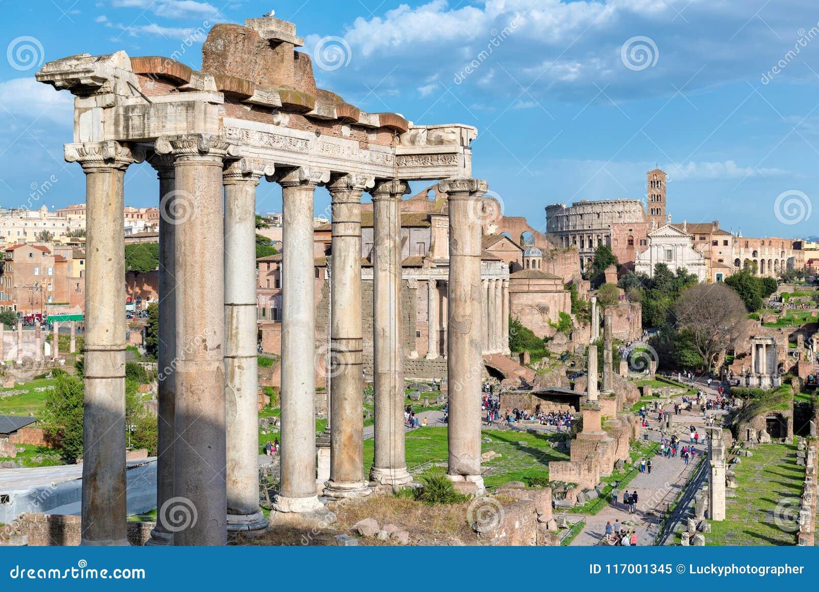 日落的罗马广场在罗马,意大利
