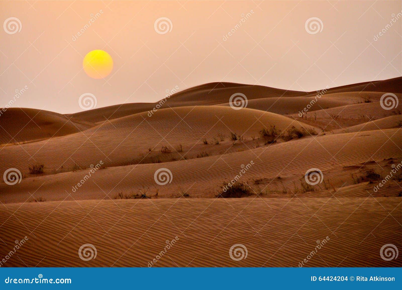 日落迪拜沙漠沙丘