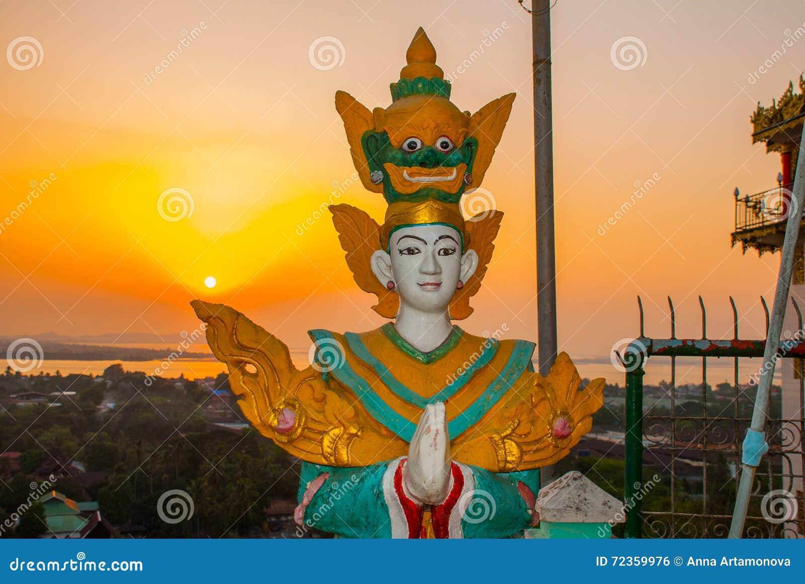 日落 雕象 Kyaik Tan Lan 老Moulmein塔 毛淡棉,缅甸 缅甸