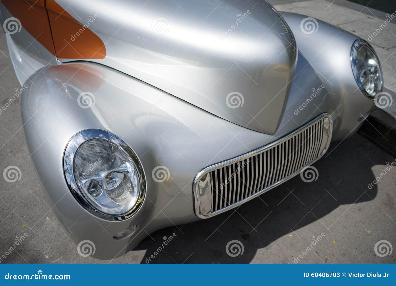 旧车改装的高速马力汽车葡萄酒