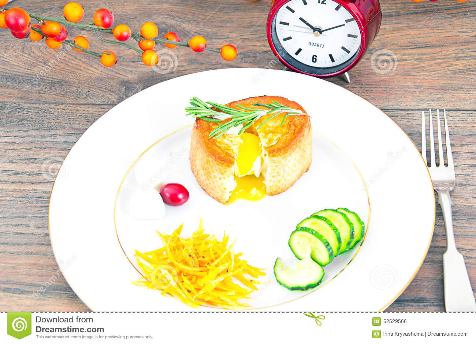 早餐用在方旦糖长方形宝石的鸡蛋