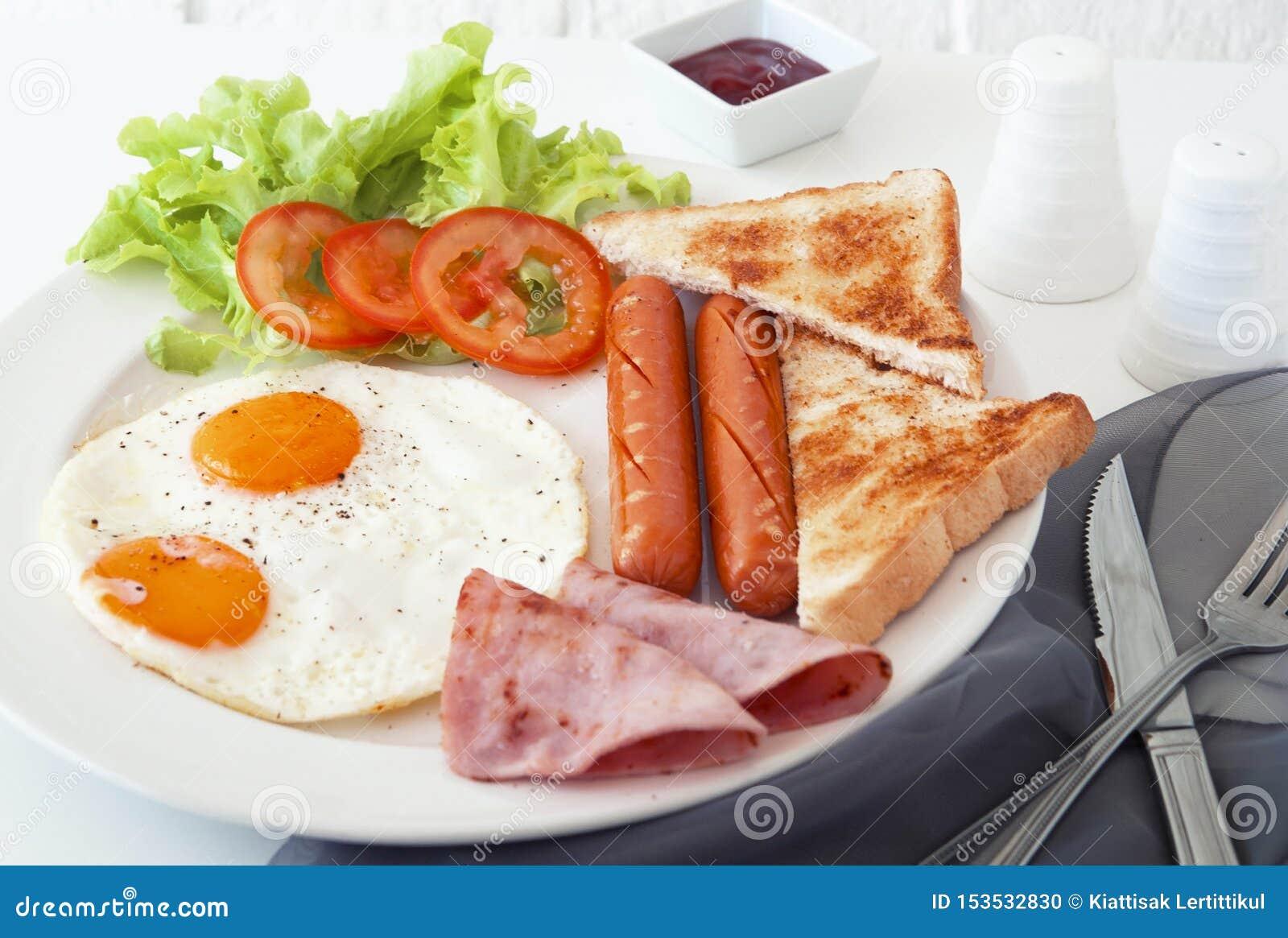 早餐蛋香肠火腿早晨