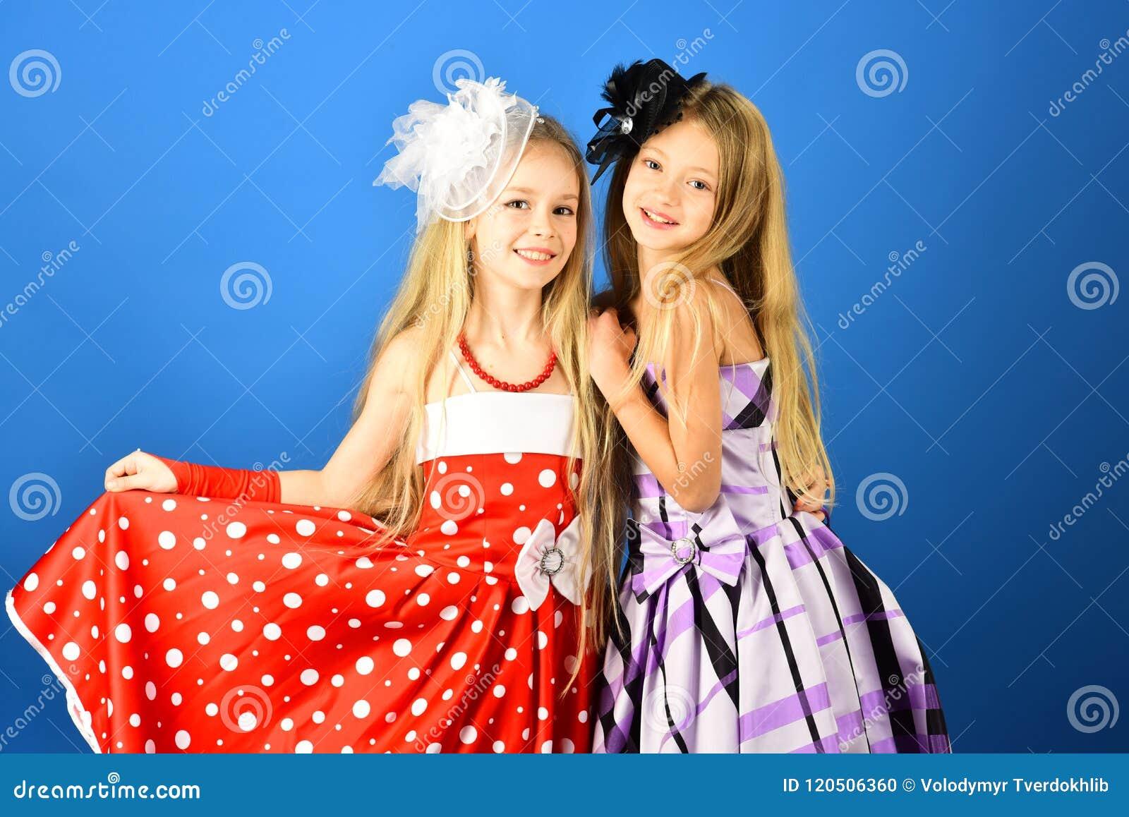 免费色小公主逼_时尚和秀丽,小公主 友谊,神色,美发师,婚姻 家庭时装模特儿姐妹,秀丽
