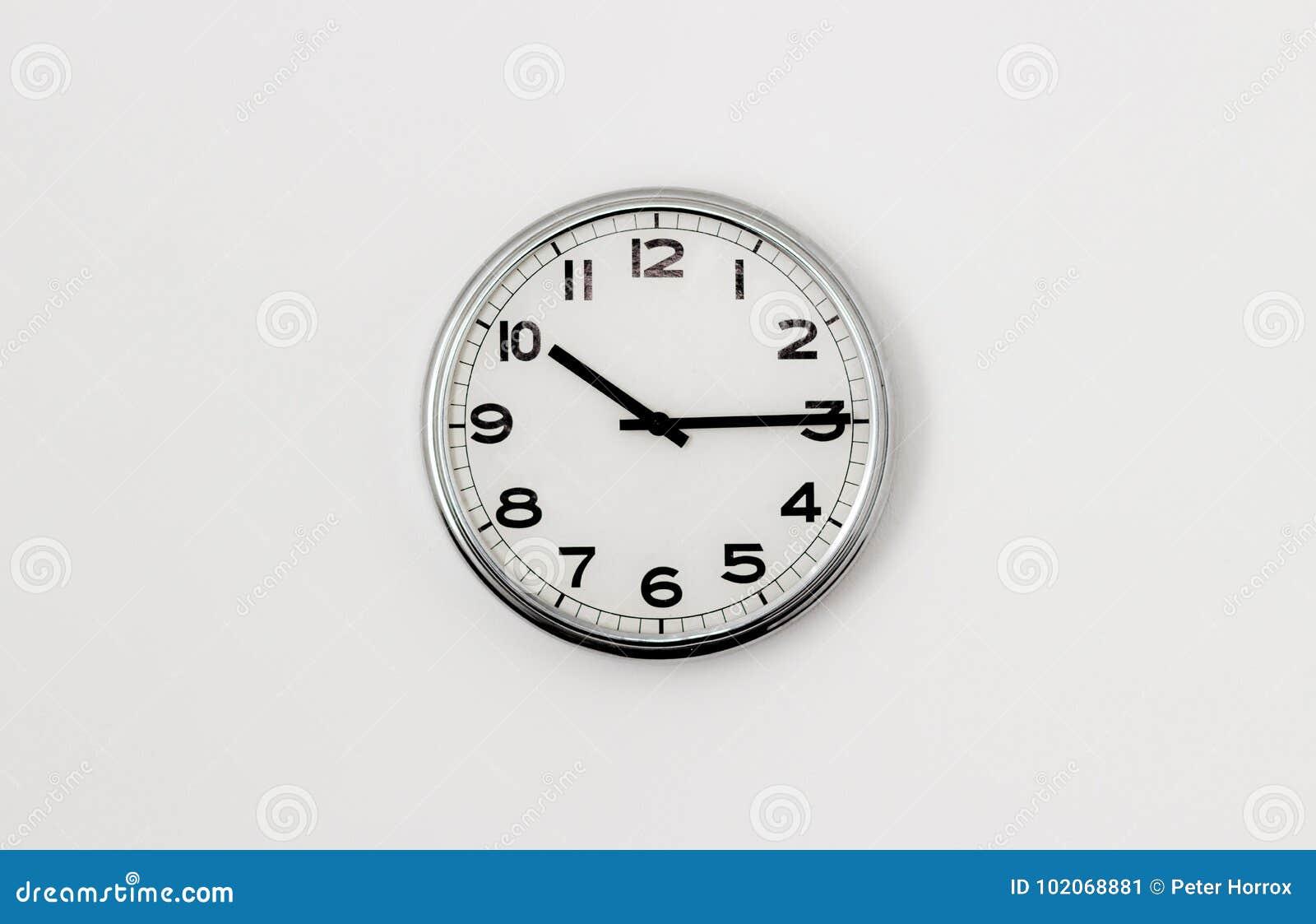 时钟10:15