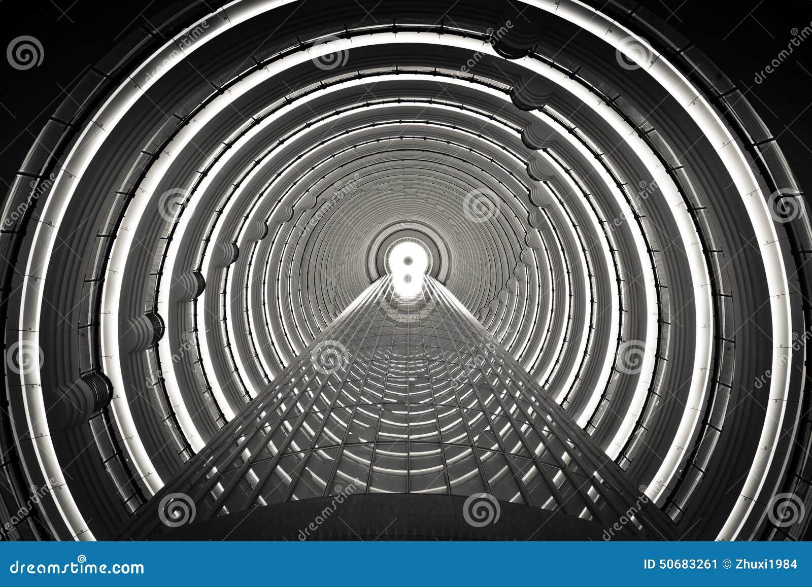 Download 时间隧道 库存图片. 图片 包括有 艺术, 金子, 城市, 获得, 室内, 大厅, 隧道, 摩天大楼, 几何 - 50683261