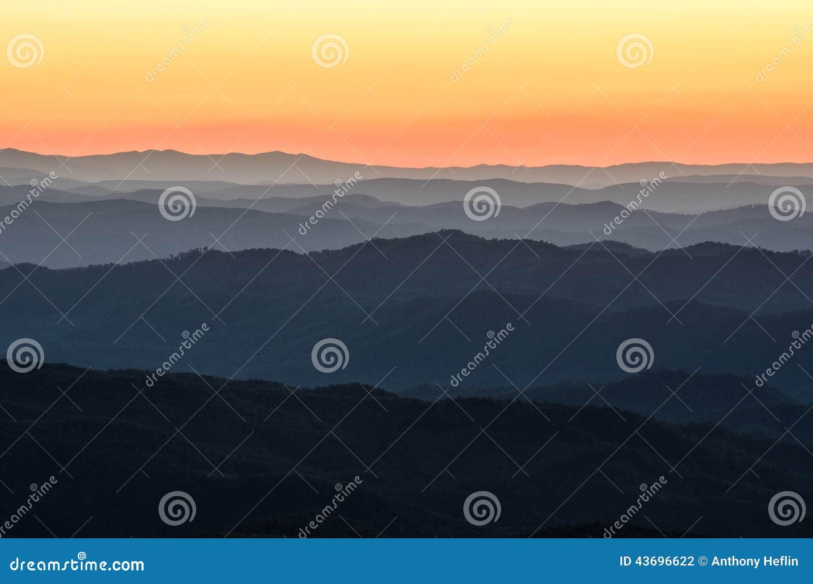 黎明前光,蓝岭山脉,北卡罗来纳