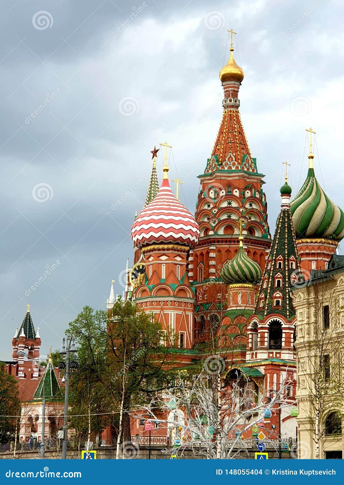 春天莫斯科市风景 俄国建筑学的知名的纪念碑