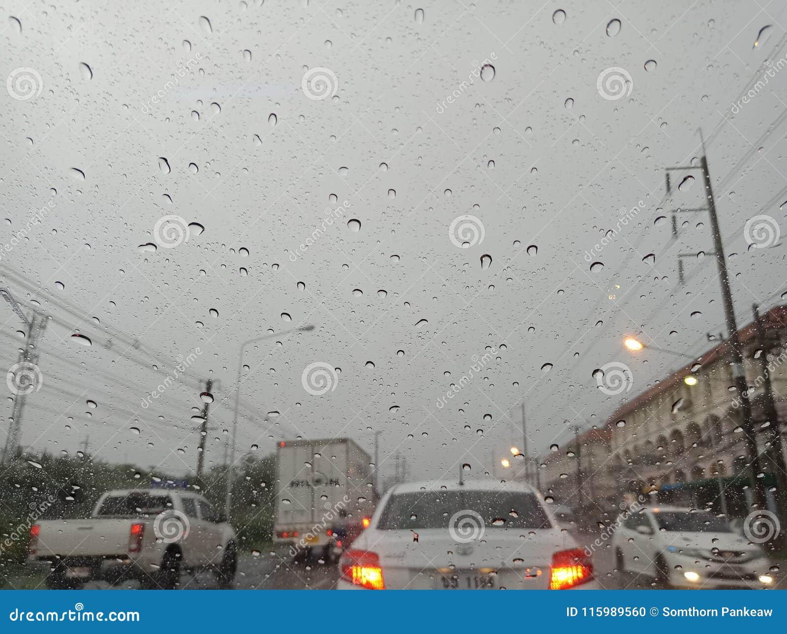 春武里市,泰国3月09,2018 :春武里市3月的` s雷暴