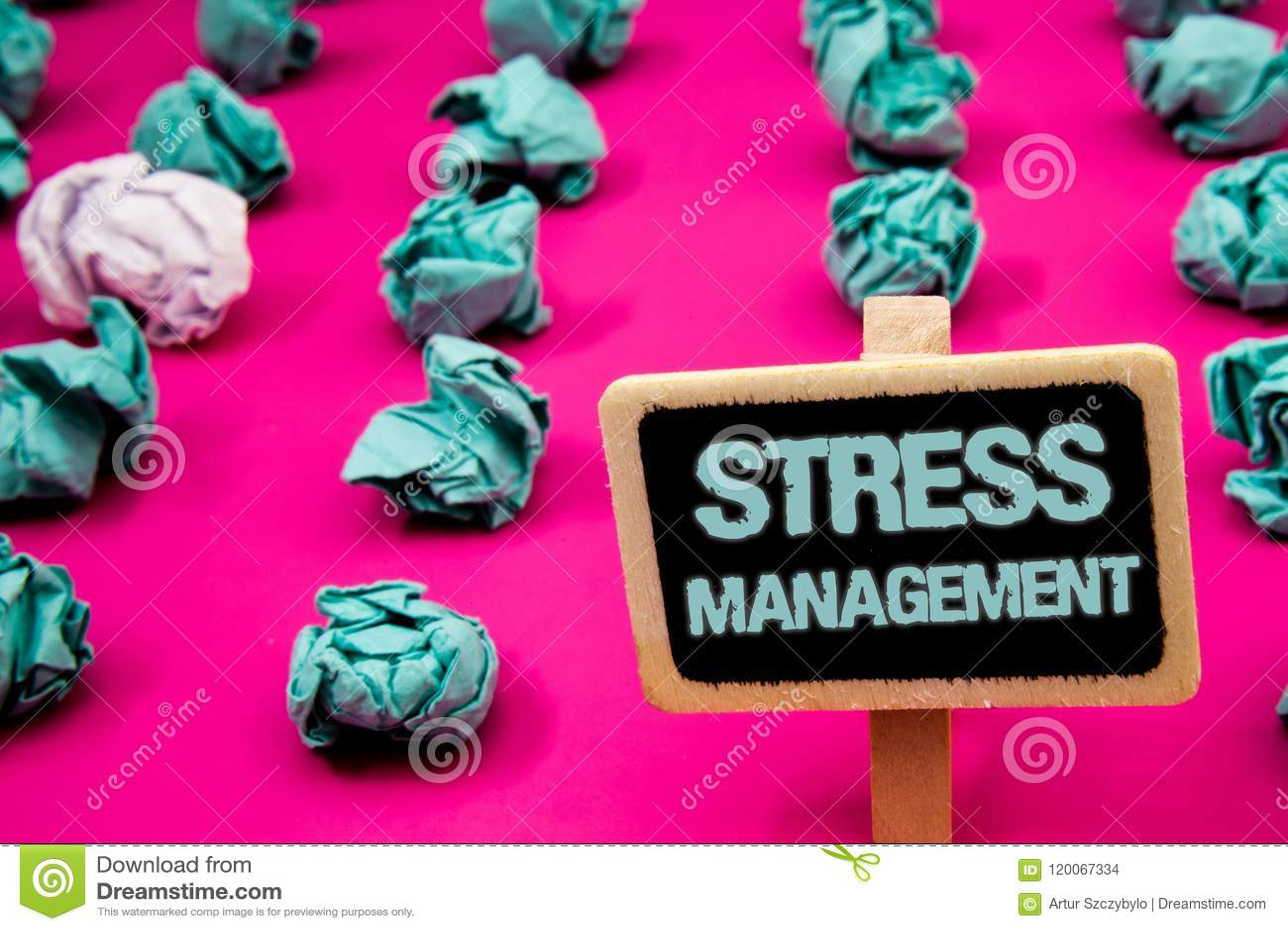 显示压力处理的文本标志 有白色le的概念性照片凝思疗法放松阳医疗保健黑板