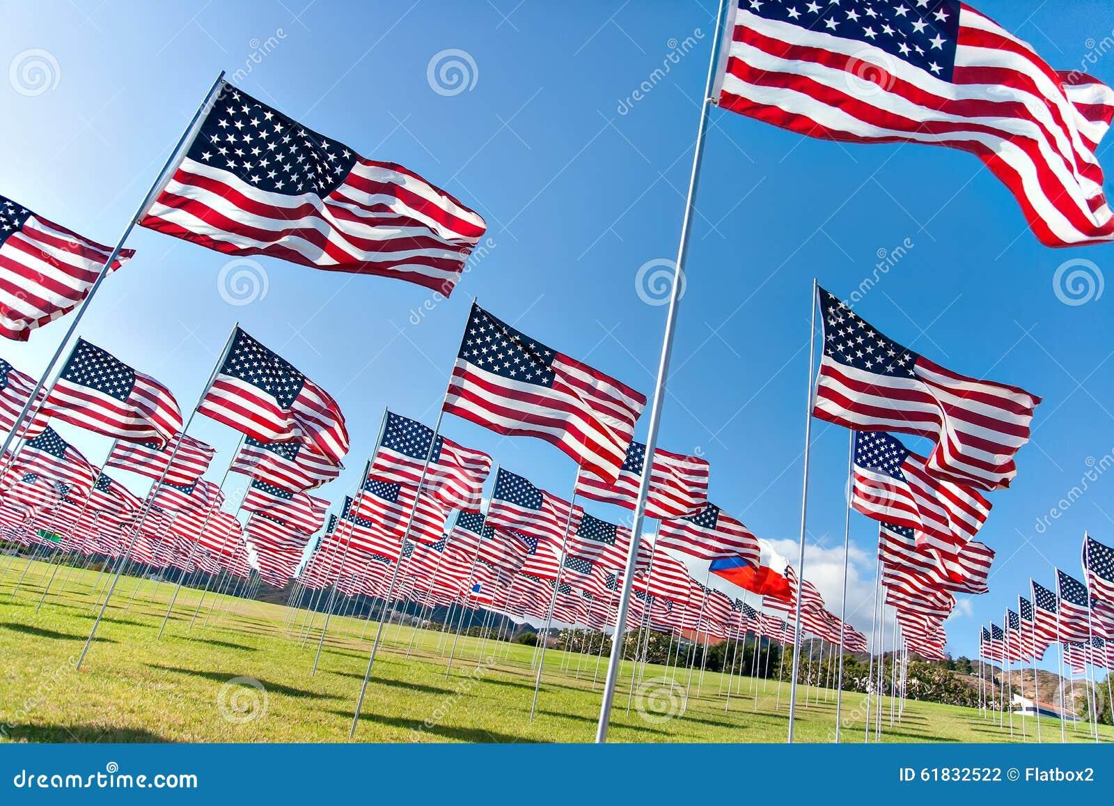 显示在阵亡将士纪念日的美国国旗