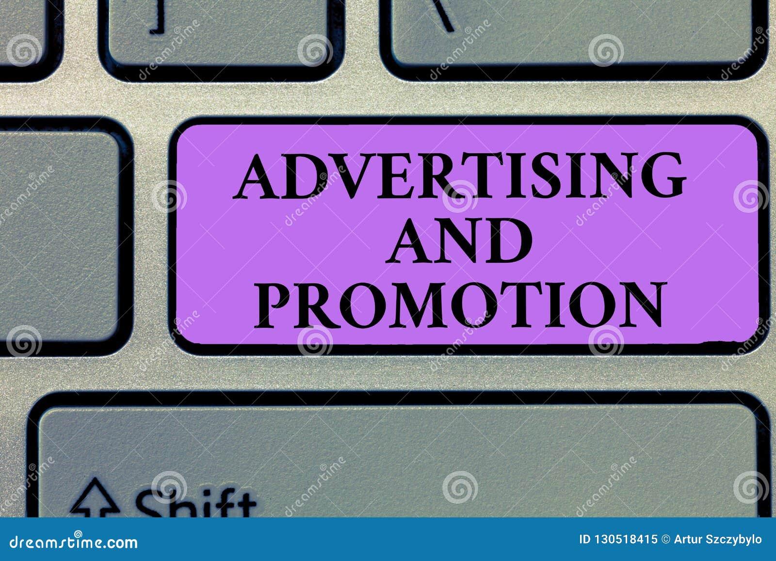 显示广告和促进的文字笔记 陈列在媒介的企业照片受控制和被支付的销售的活动