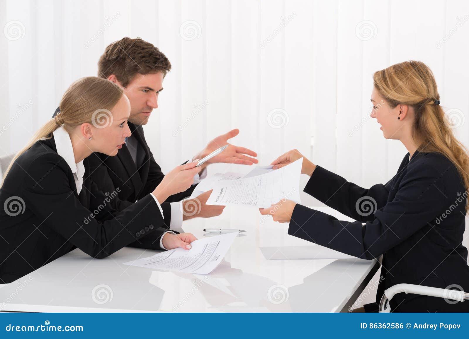 显示文件的同事对买卖人