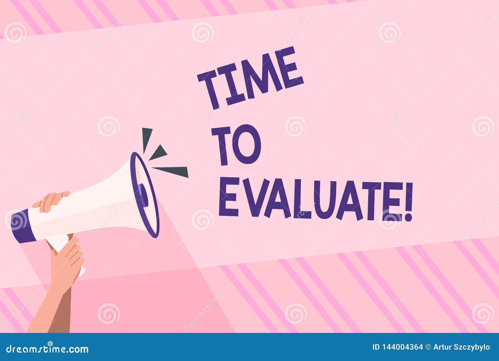 显示时刻的文本标志评估 概念性照片确定设置值数额估价法官或确定人