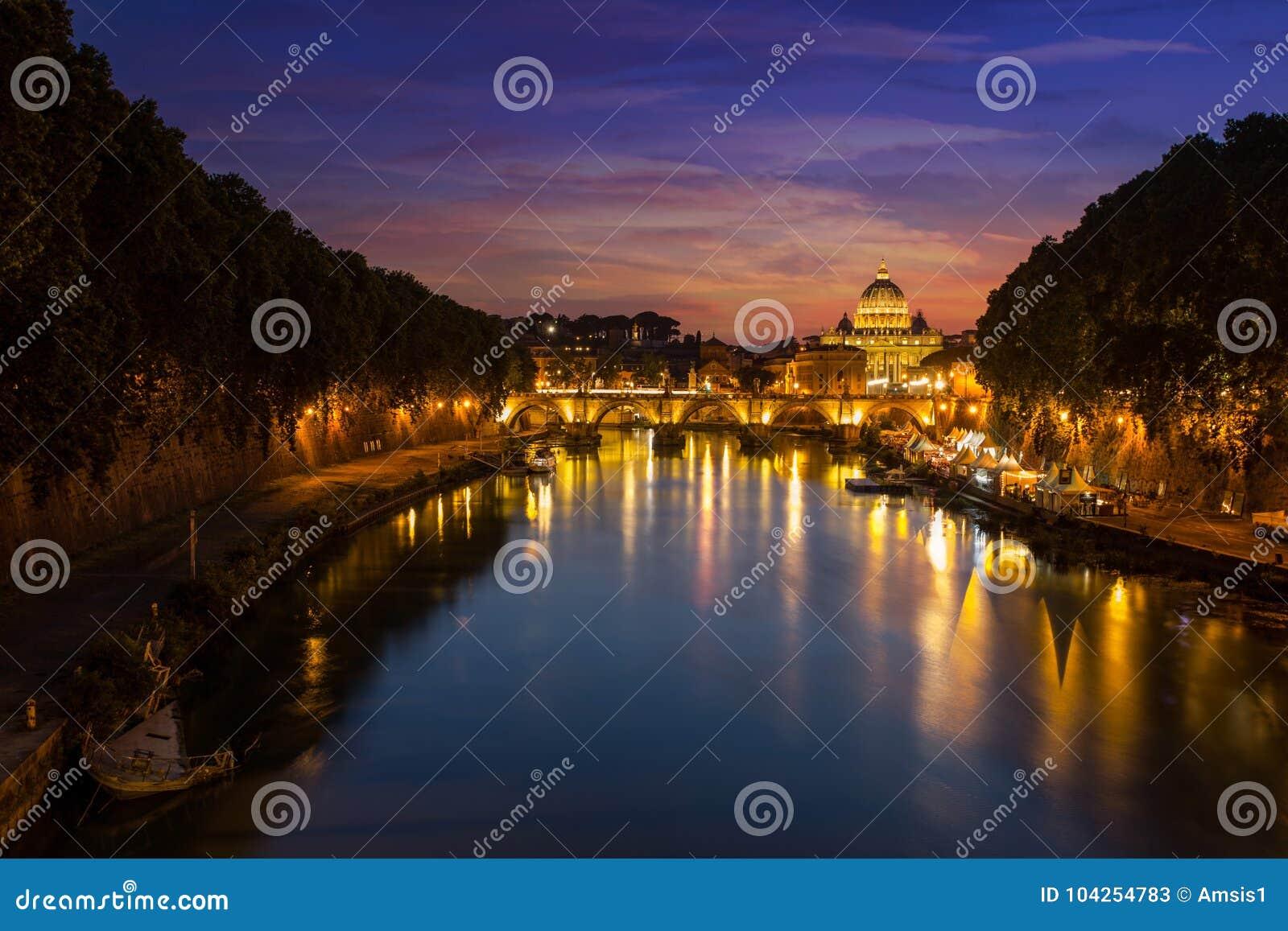 晚上罗马 圣伯多禄