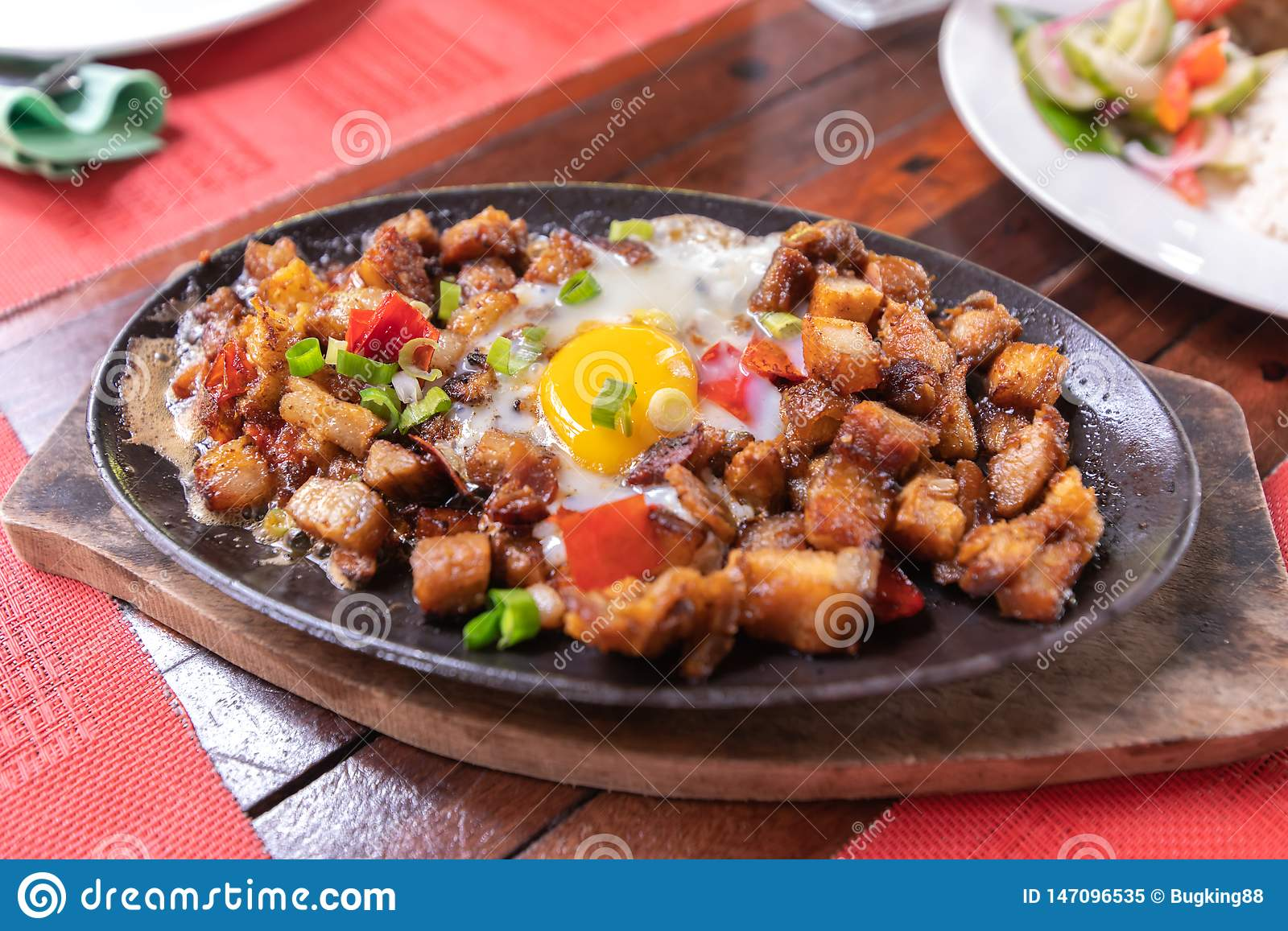 普遍的Filipion盘-猪肉sisig