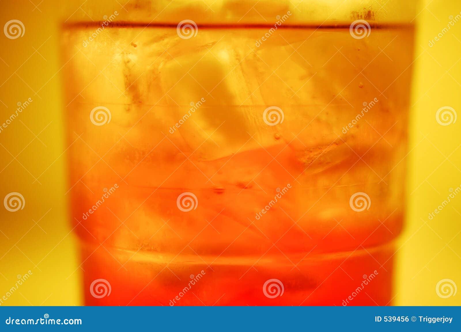Download 晴朗冷静的日 库存照片. 图片 包括有 干渴, 熄灭, 潮湿, 玻璃, 冷却, 致冷机, 晴朗, 冷静 - 539456