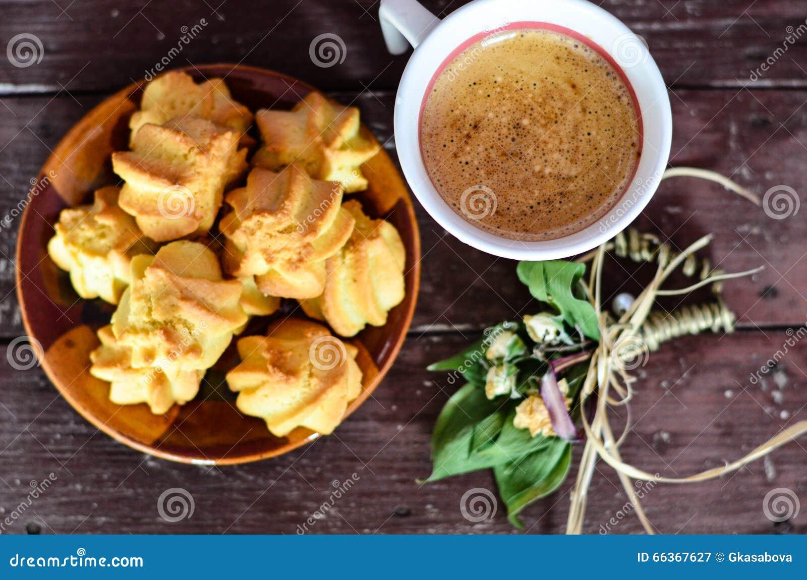 曲奇饼和咖啡