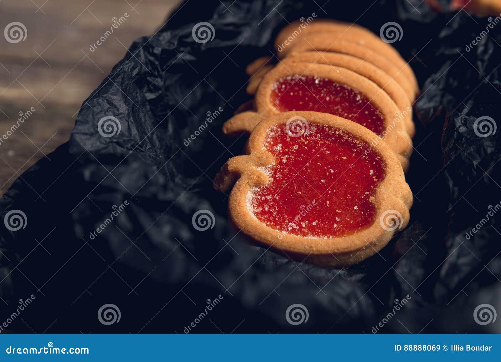曲奇饼,饼干充满红草莓
