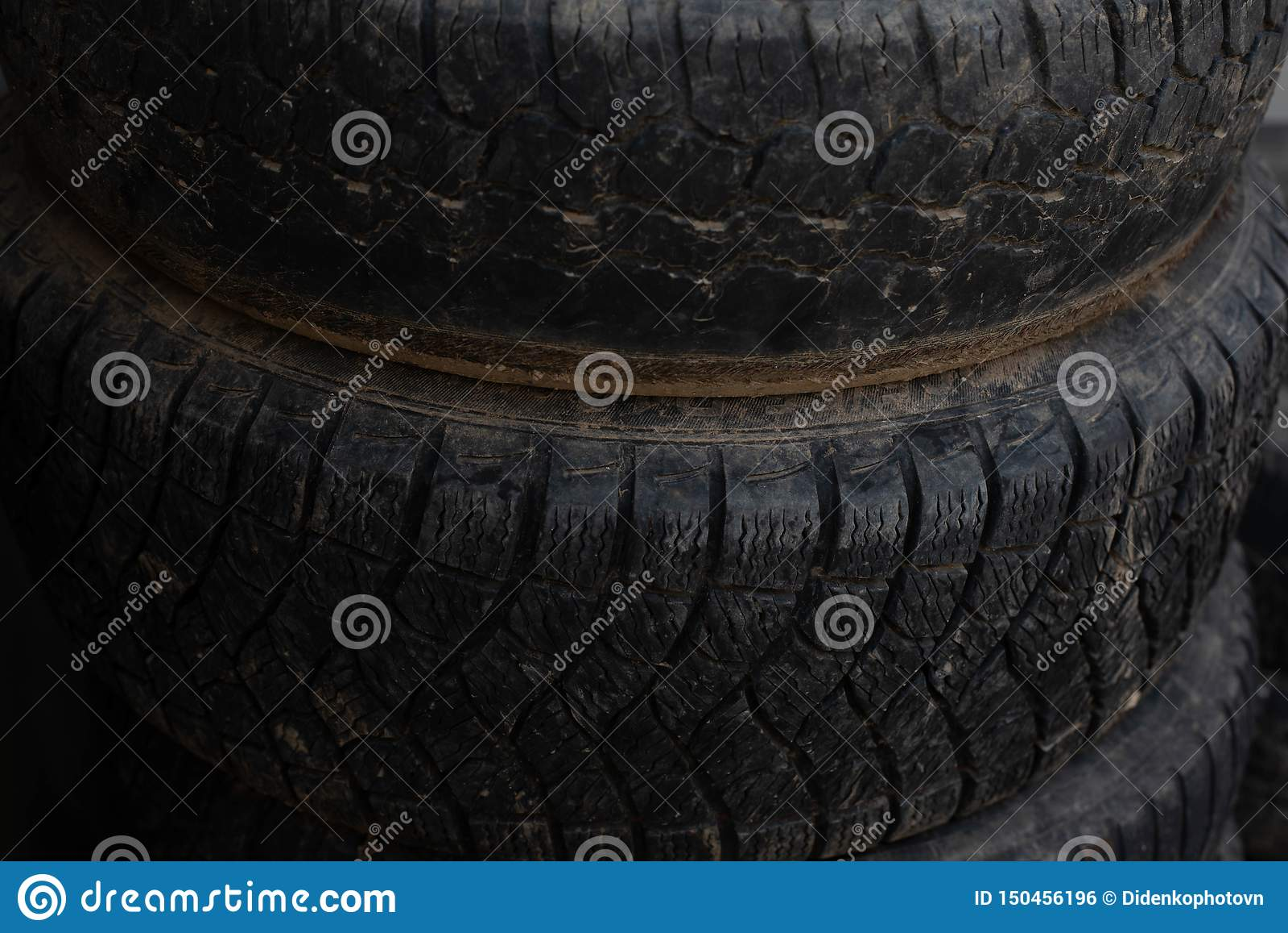 更旧的轮子 从您的汽车的轮子