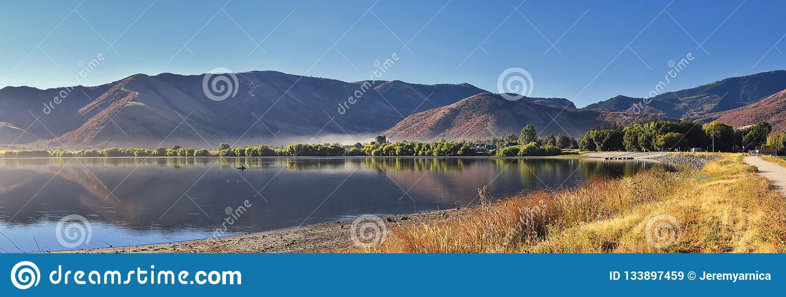 曼图亚水库风景视图 曼图亚是东部边缘的博克斯埃尔德县一小镇,历史上叫作博克斯埃瓦尔