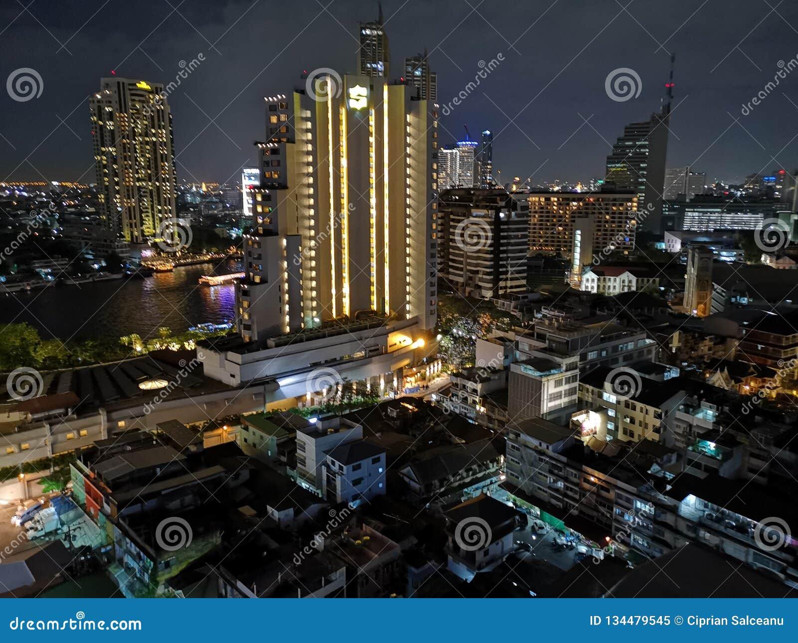 曼谷从上面的夜视图