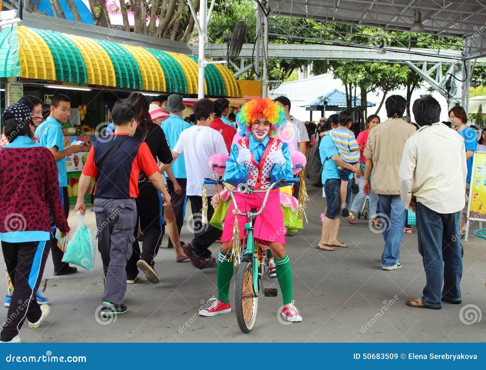 Download 曼谷梦想公园世界 编辑类库存图片. 图片 包括有 世界, 招待, 聚会所, 娱乐, 泰国, 公园, 轰隆的 - 50683509