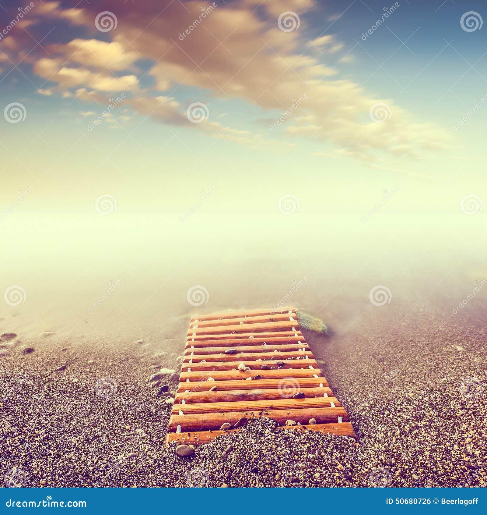 Download 最低纲领派海景 库存照片. 图片 包括有 放松, 最小, 天空, 海景, 浪漫, minimalistic - 50680726