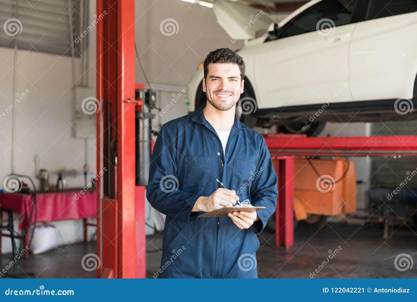 最佳的服务的自动专家的准备的清单在车库
