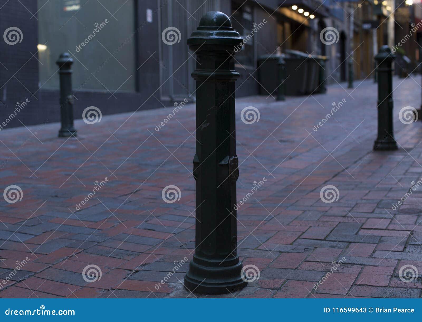 最后得到一些爱的幽静街道杆