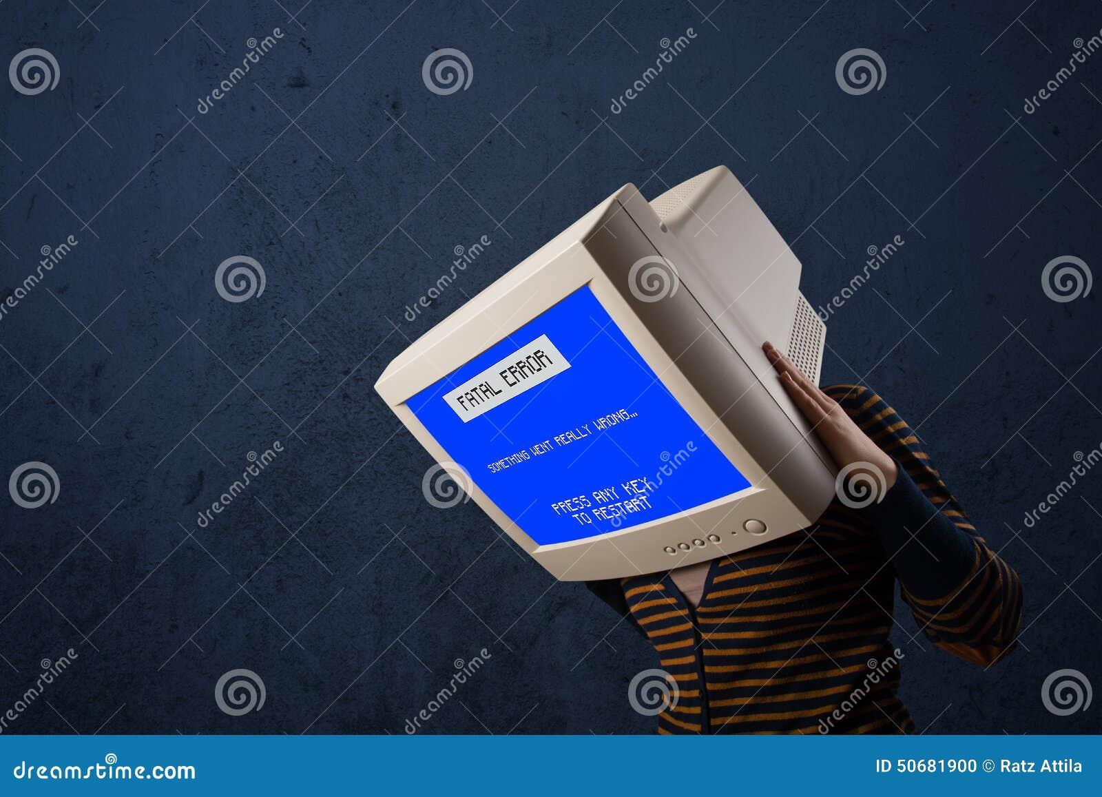 Download 有一个显示器头和致命错误蓝色屏幕的人在二 库存照片. 图片 包括有 损失, 背包, 黑客, 文丐, 数据 - 50681900