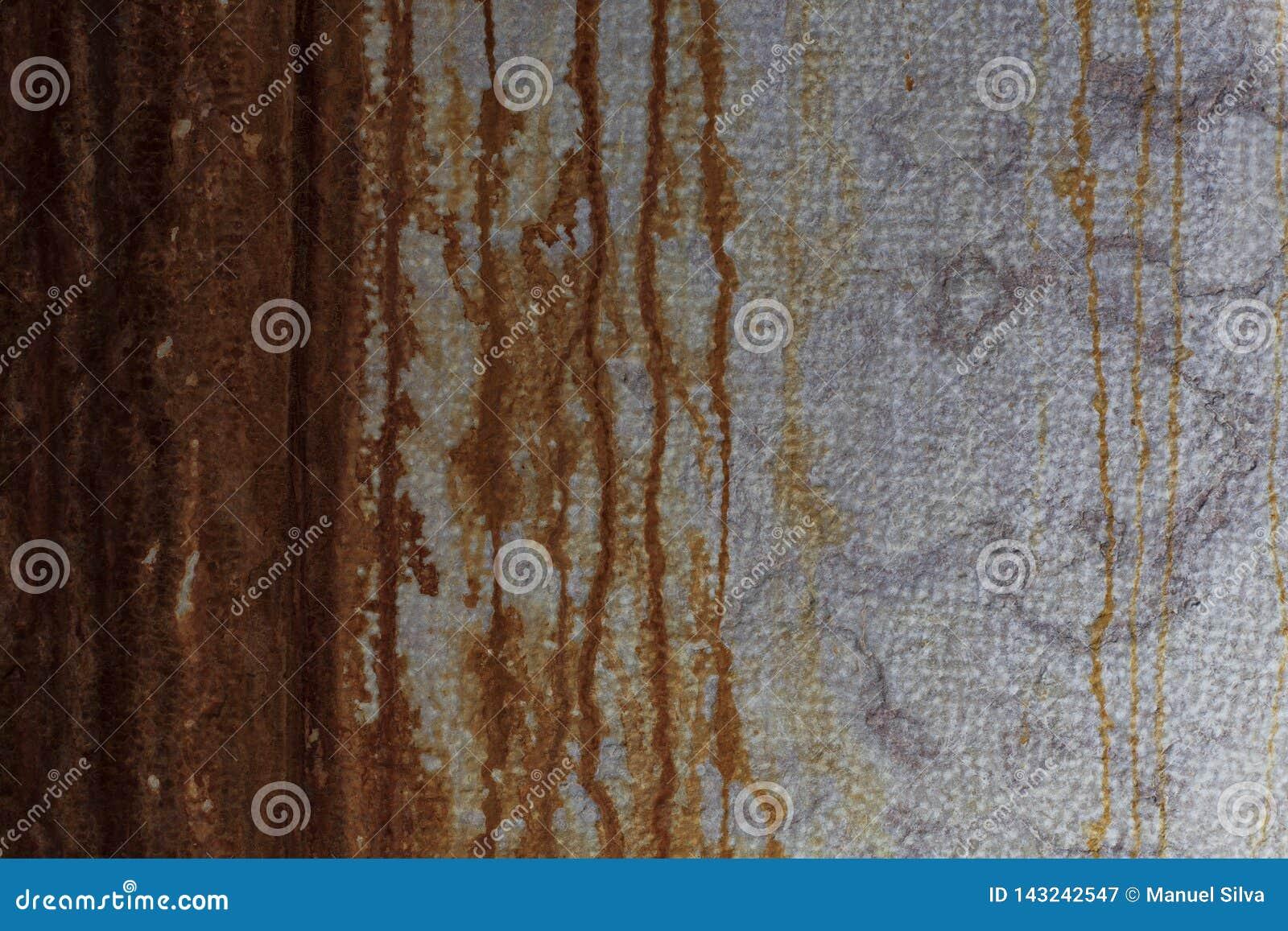 有使用的铁锈的墙壁作为背景