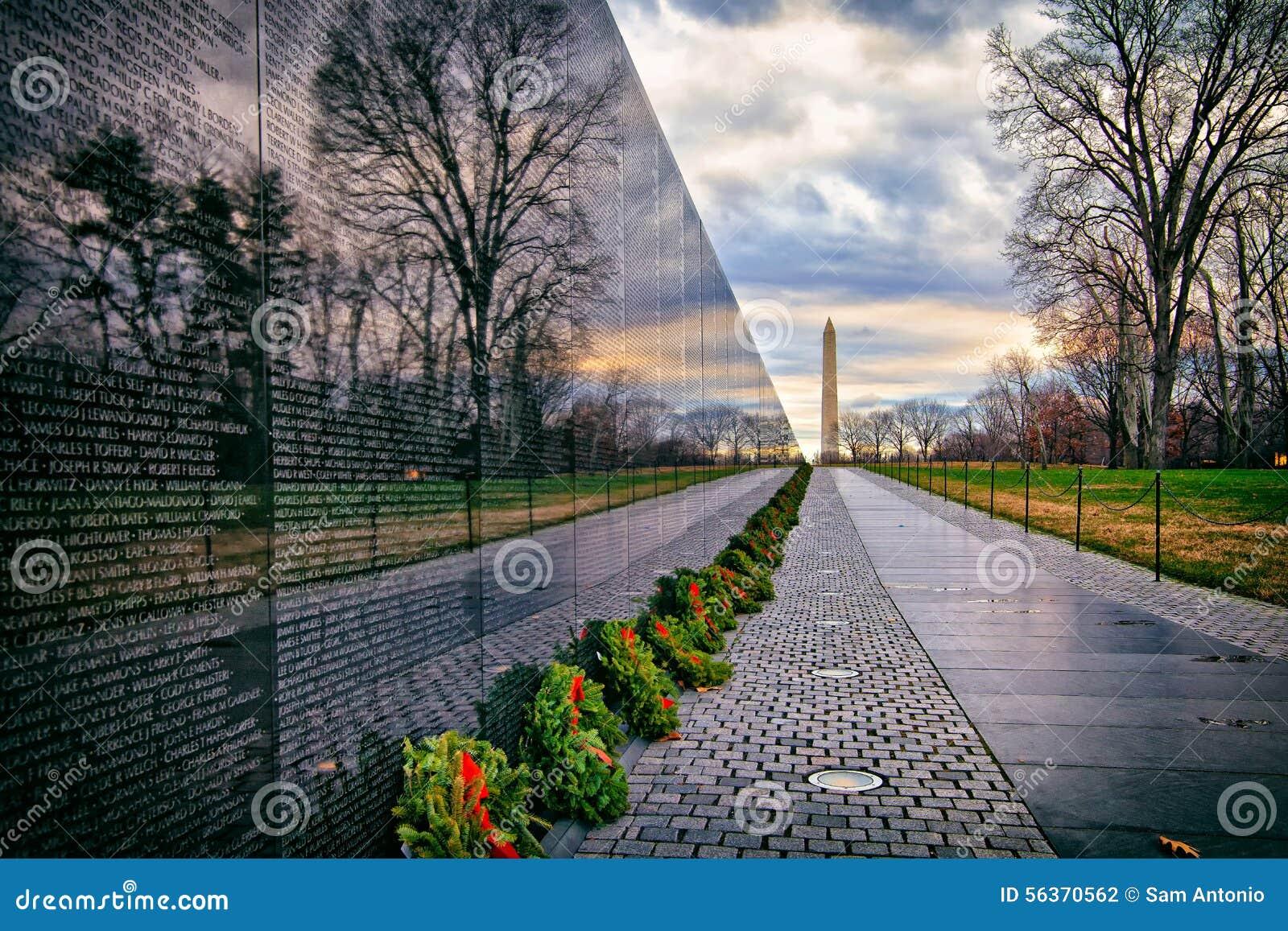 有华盛顿纪念碑的越战纪念品在日出,华盛顿特区,美国