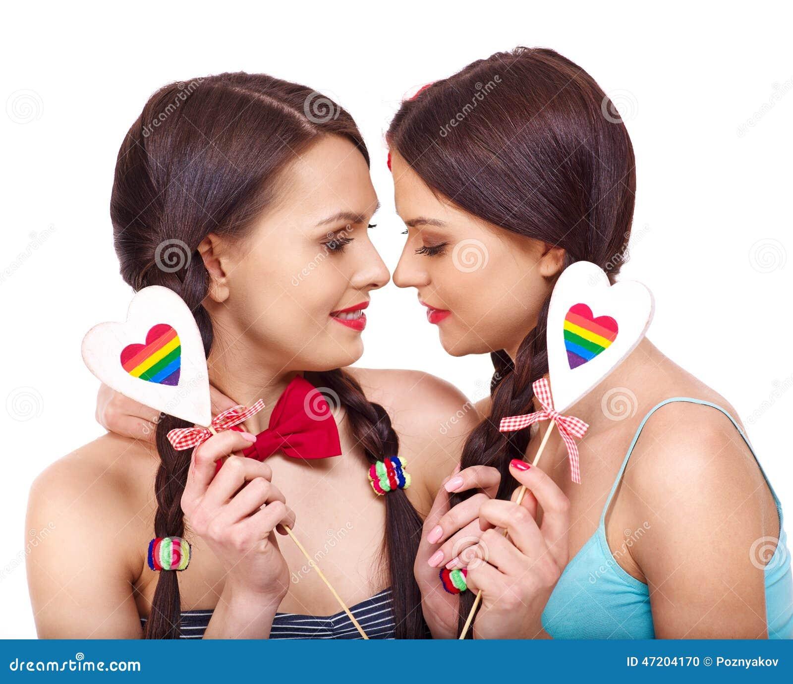 色情女同性恋_有听见的两名女同性恋的妇女在色情爱抚比赛.