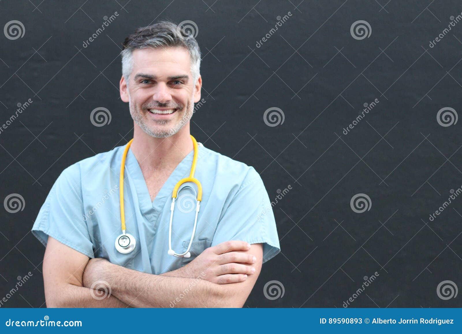 有听诊器微笑的画象的医生