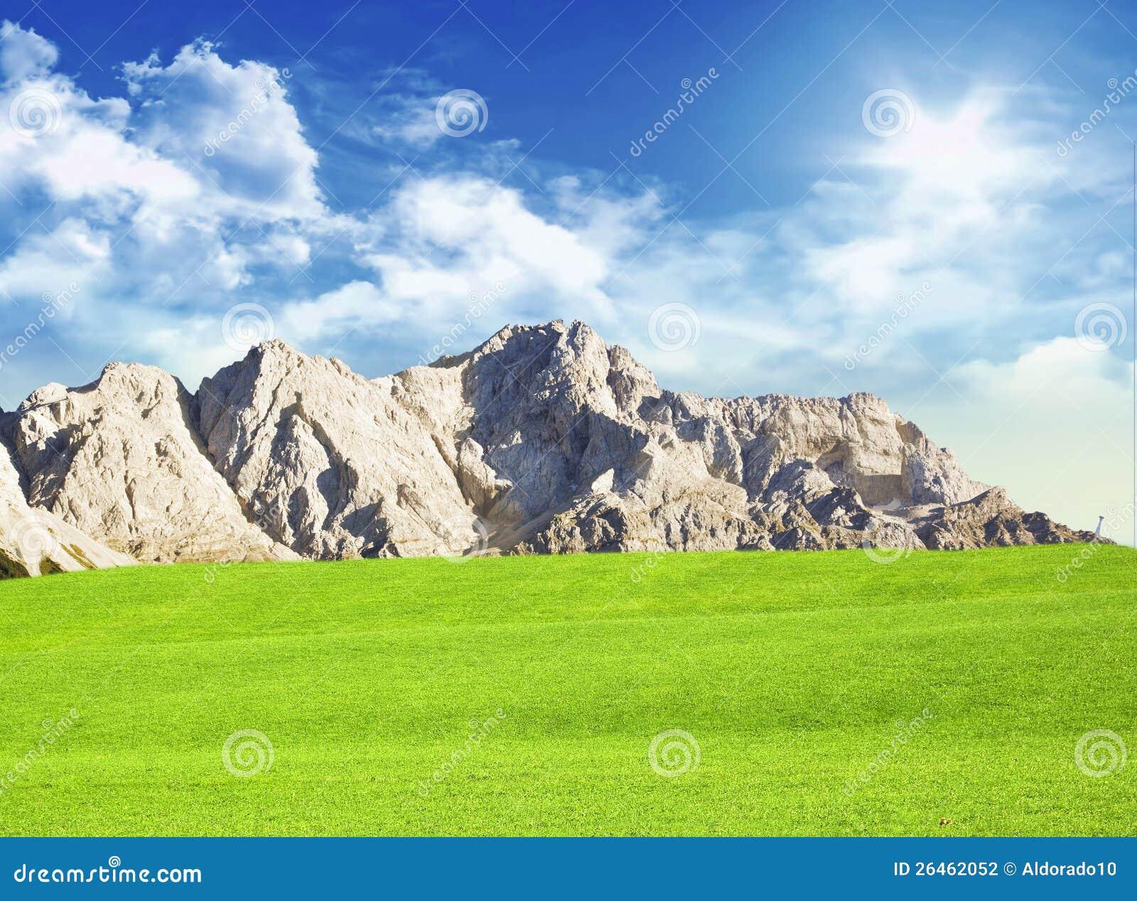 有山的草甸