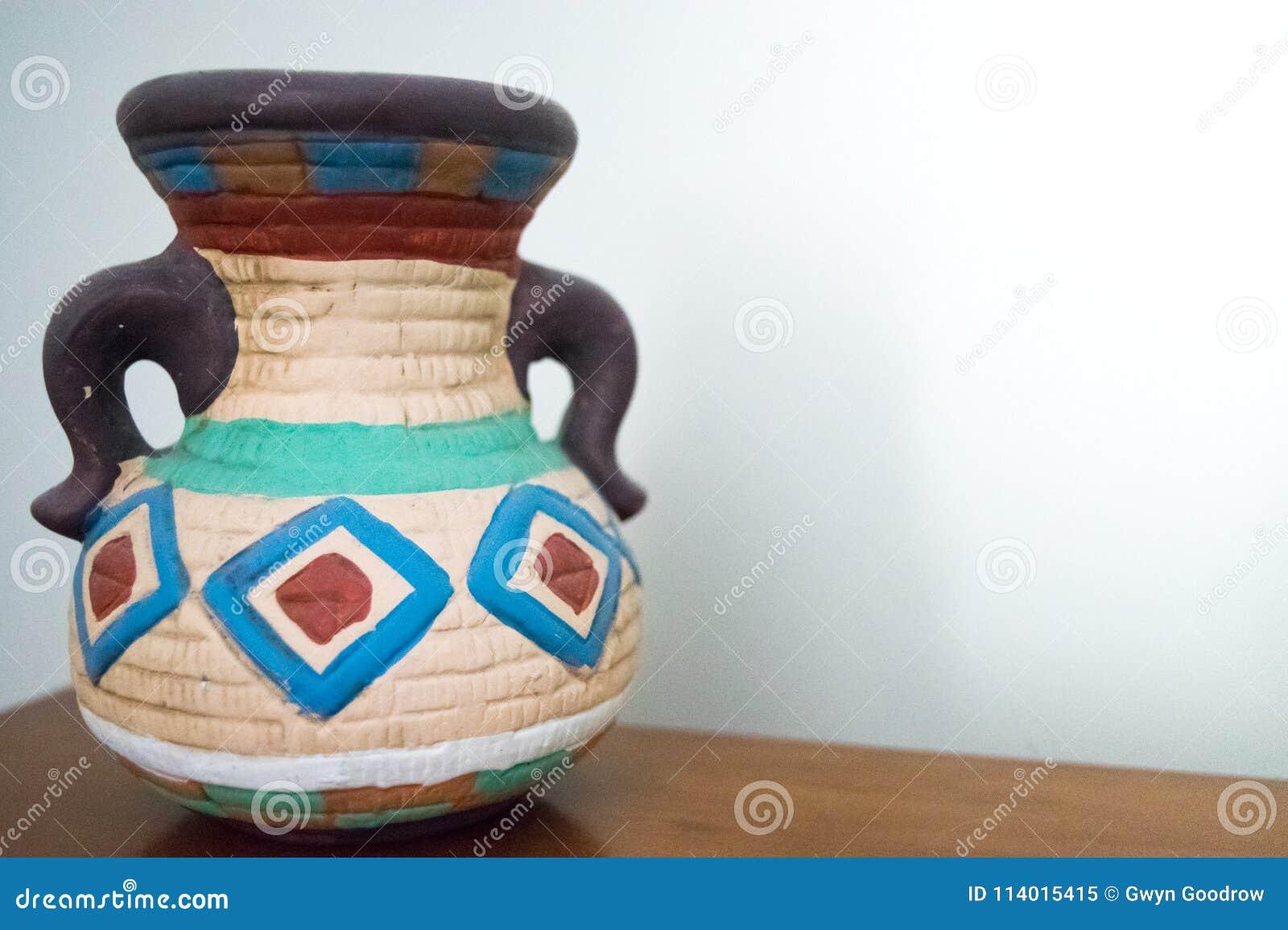 有把柄的传统西南美国瓦器花瓶
