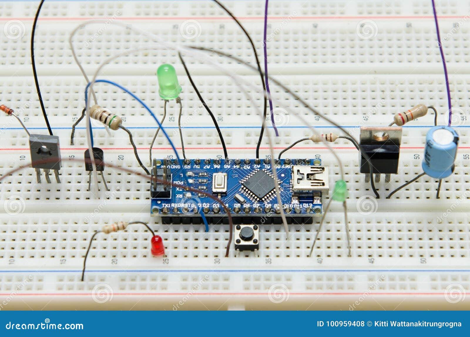 有抵抗者的, transister, LED,按钮,容量,二极管电子线路板diy微型控制器
