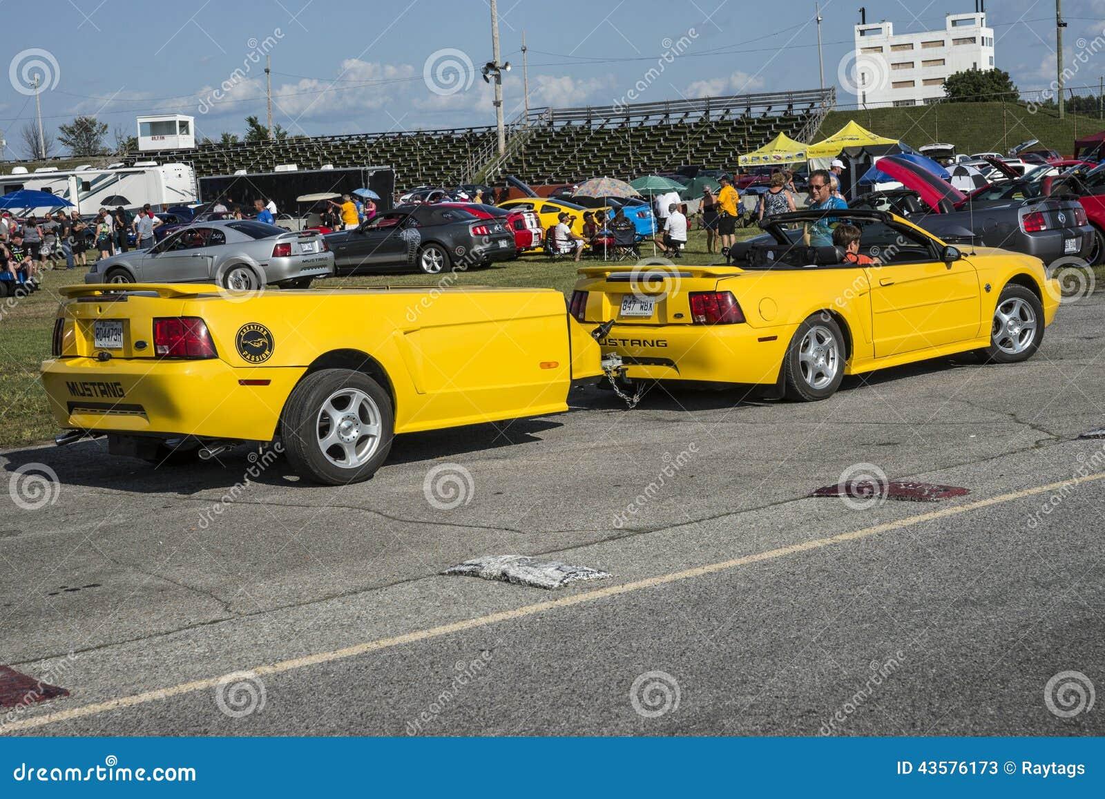 有拖车的Ford Mustang