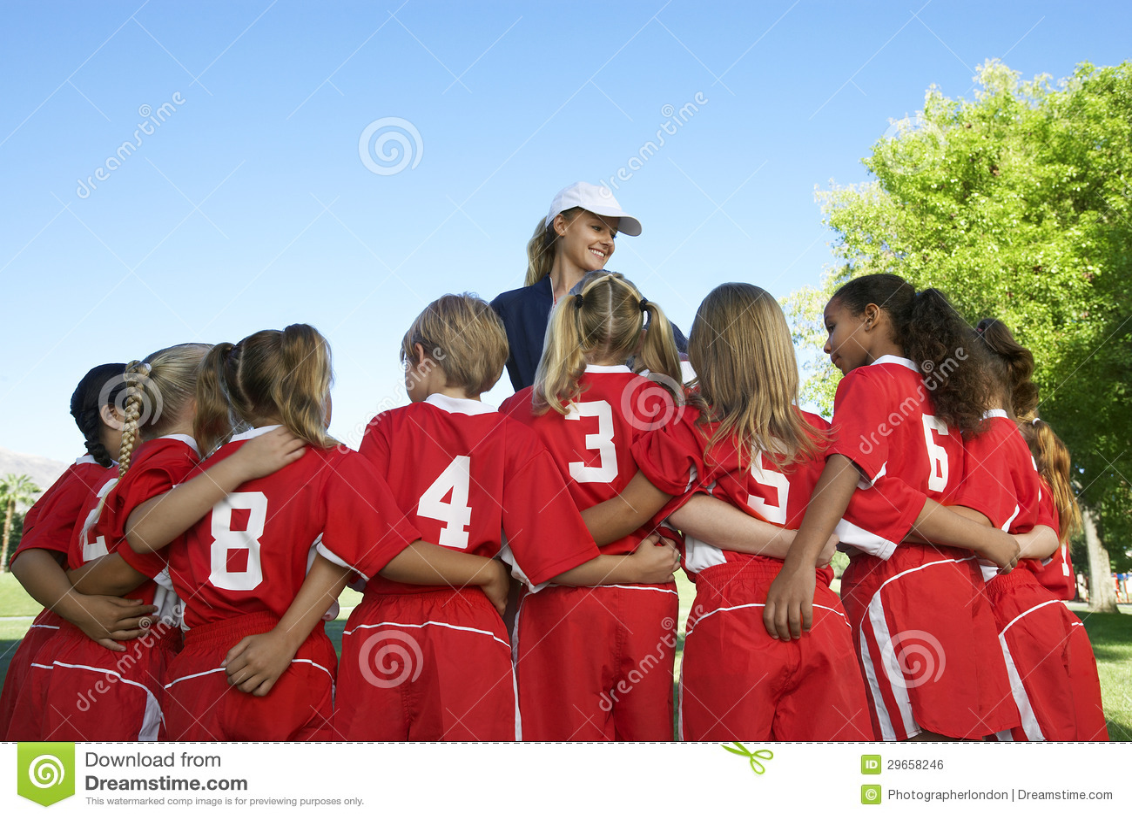 有教练的足球运动员