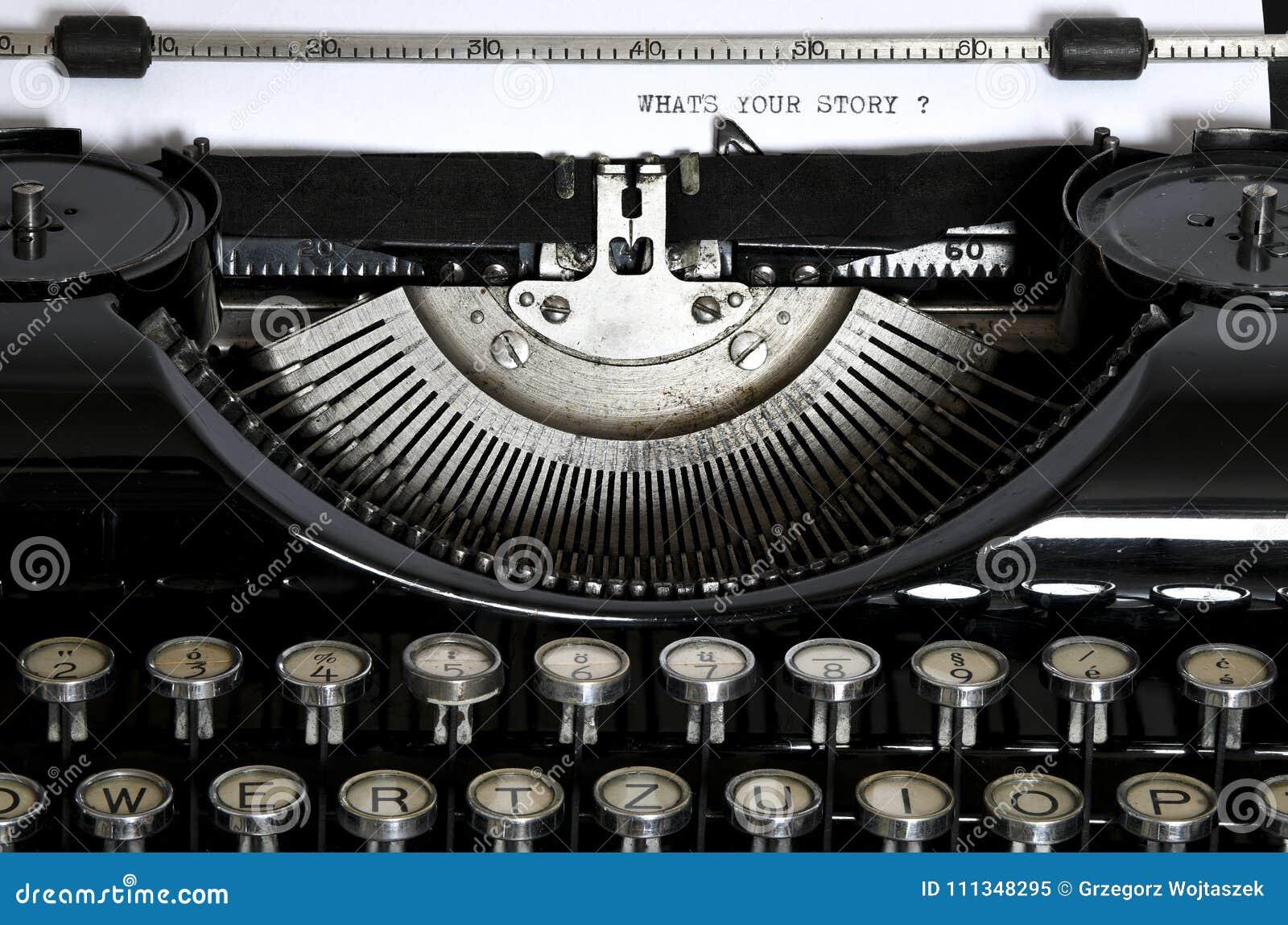 有文本的一台老打字机什么` s您的Stor