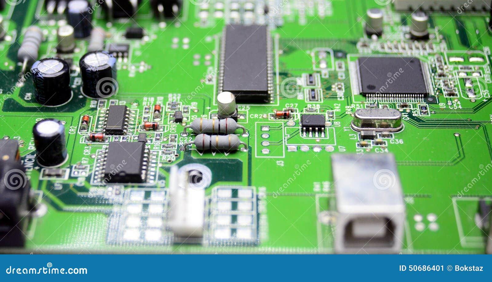 Download 有无线电零件的电路板 库存图片. 图片 包括有 工程, 数据, 电路, 集成, 详细资料, 电阻器, 信息 - 50686401