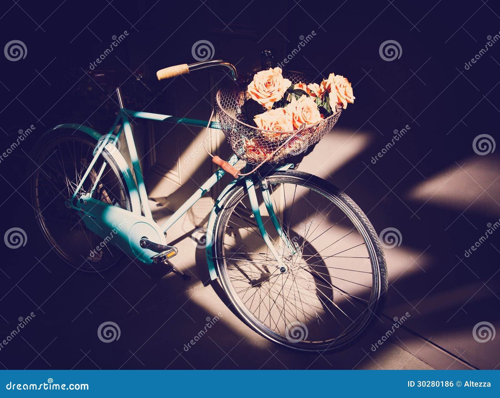 蓝色葡萄酒自行车
