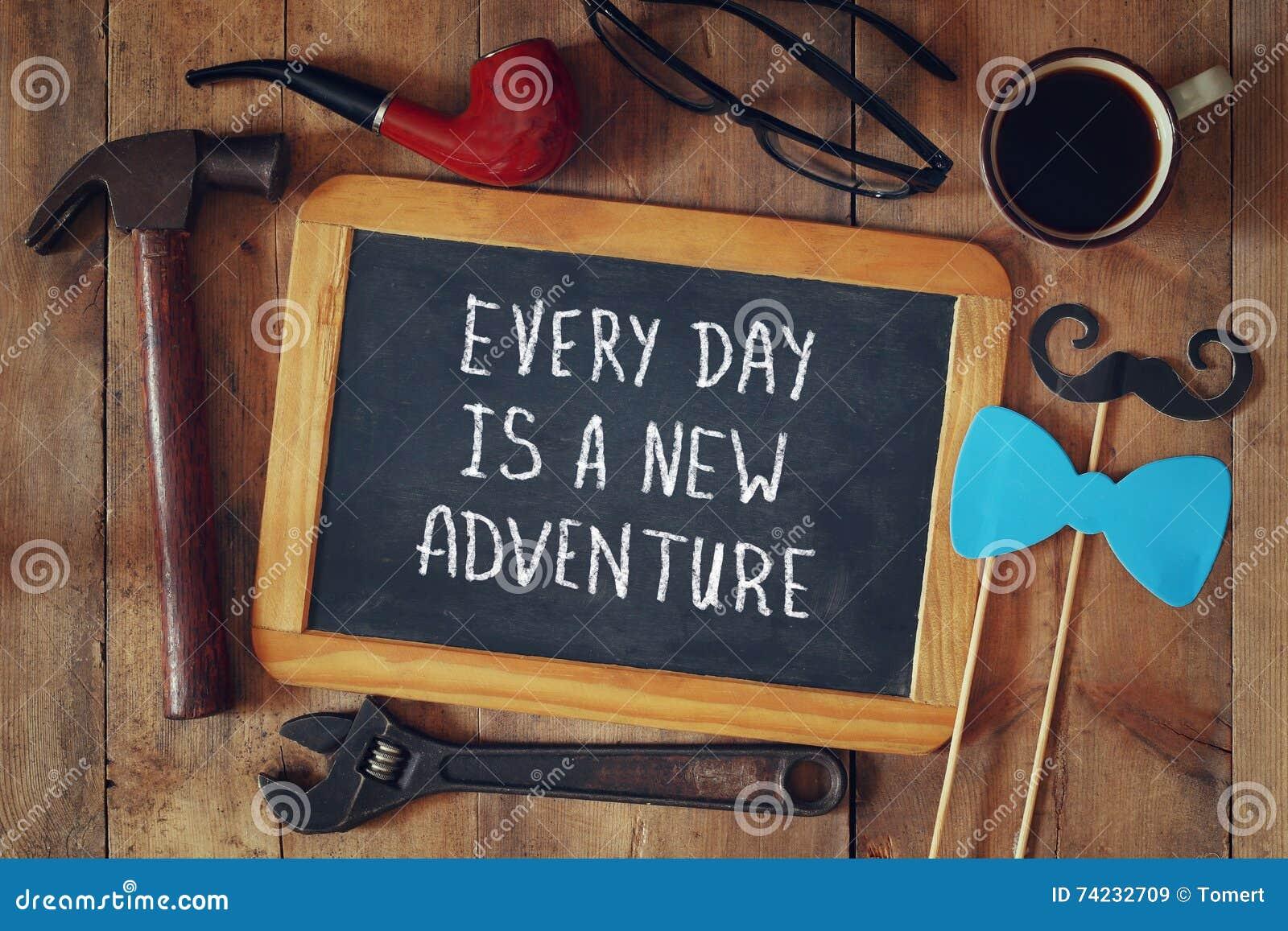 有每天的文本的黑板是一次新的冒险